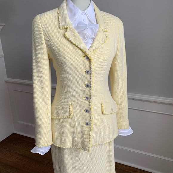 CHANEL Boucle Blazer and Skirt, size 38